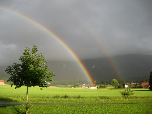 Beeindruckendes Naturschauspiel vom Bauernhof aus